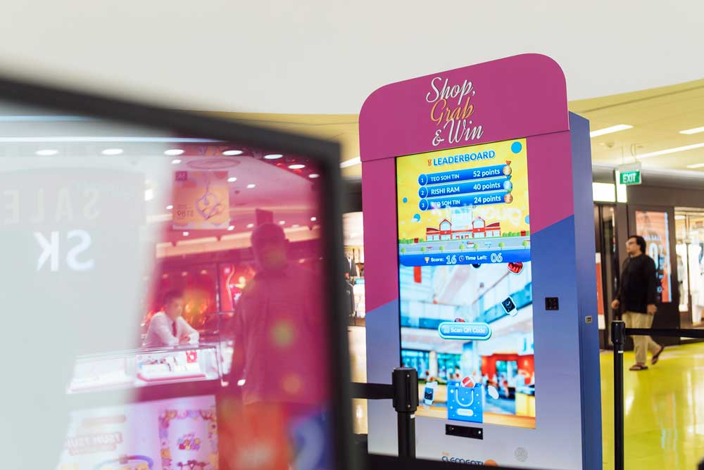 The Clementi Mall Shop, Grab and Win Redemption Machine - TRINAX